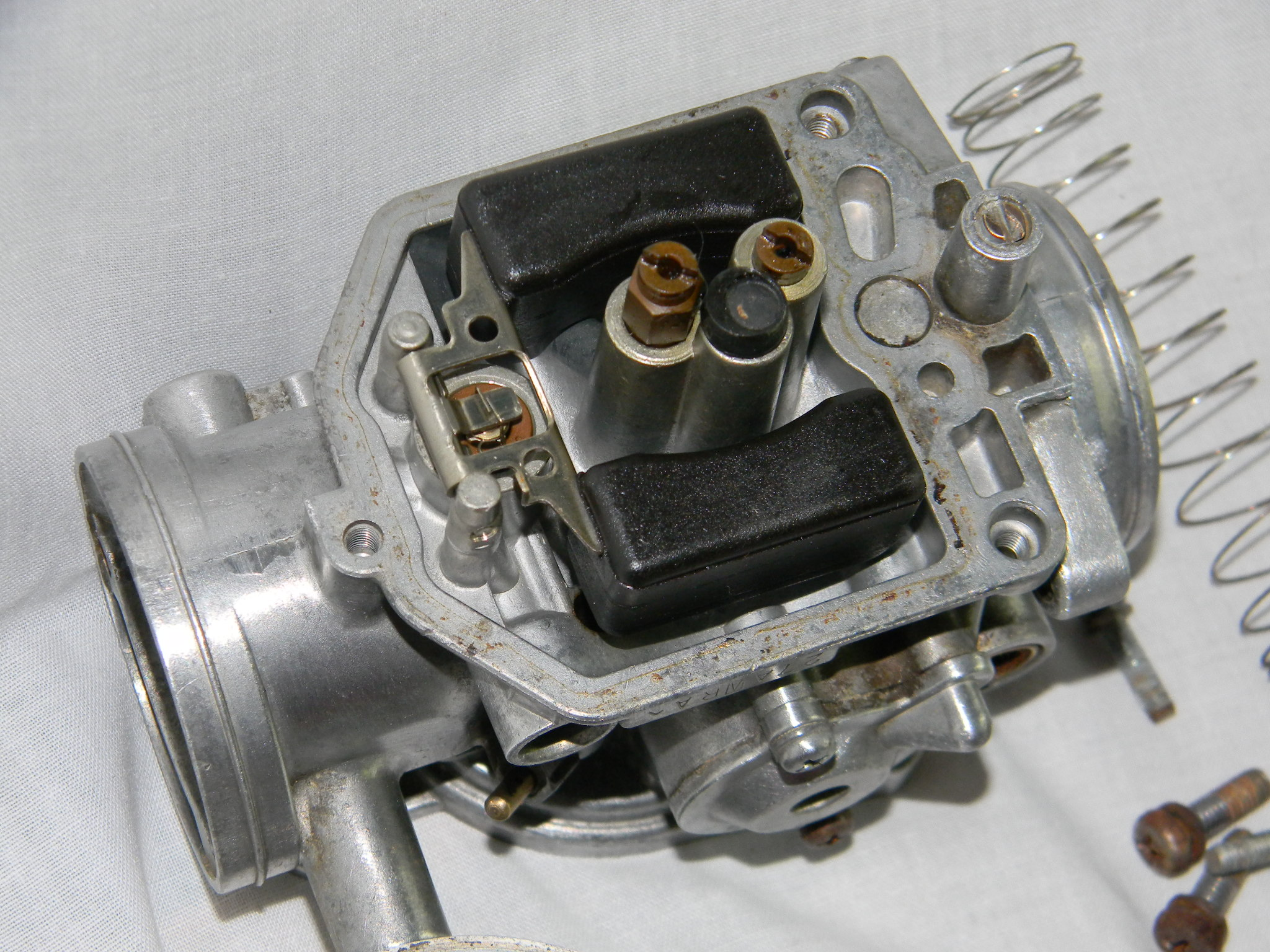 79 CX500 carb set used, will need cleaning and rebuild kit